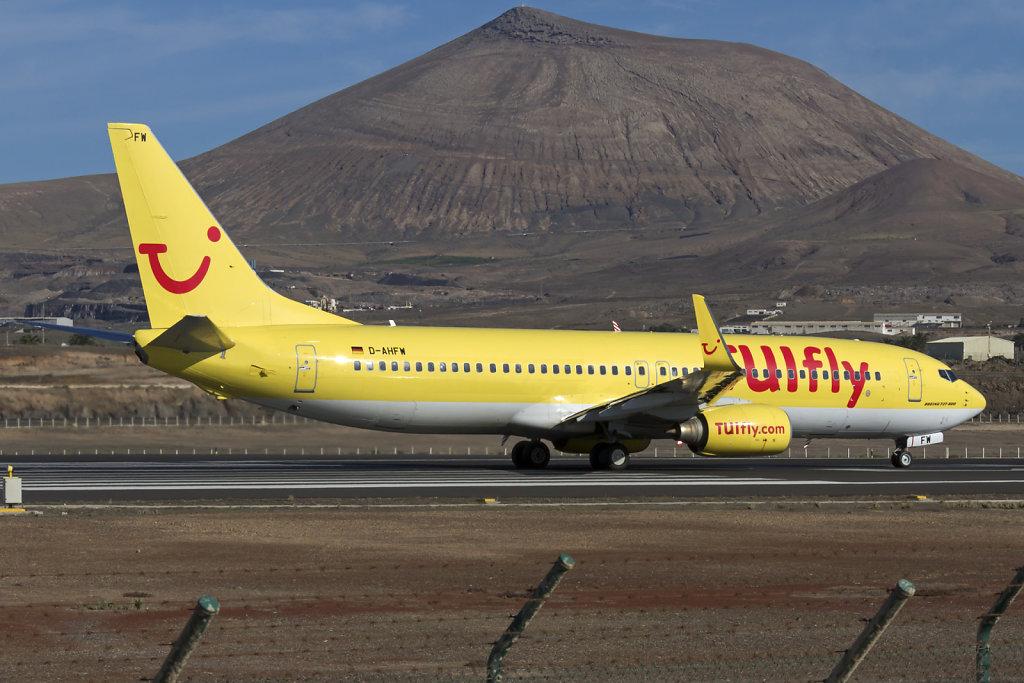 Boeing-737-8K5-WL-D-AHFW-TUIfly